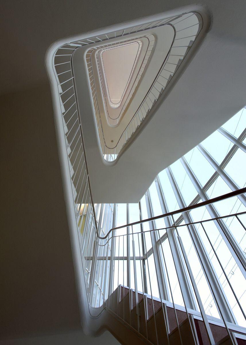 大阪ウエディング&ブライダル専門学校【照井康穂建築設計事務所】