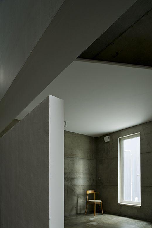 真率の家【照井康穂建築設計事務所】リビング